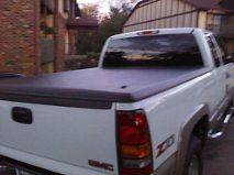 Hard Tonneau Cover GMC Sierra. Black. AMAZING Condition