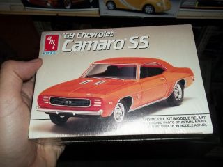 AMT 1969 CHEVY CAMARO Model Car Mountain KIT FS 1/43