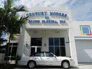 Lincoln  Town Car Executive ON 2001 Lincoln Town Car 4dr Sdn