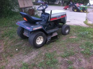 White Riding Lawn Mower ** Sweetest DEAL **