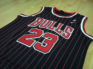 Michael Jordan Chicago Bulls NBA jersey size Medium black pin stripe