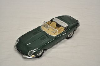 1961 Jaguar Convertible E Type Franklin Mint Precision Model Figurine