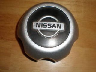 2000 04 Nissan Xterra Frontier Factory Original Black Center Cap  1