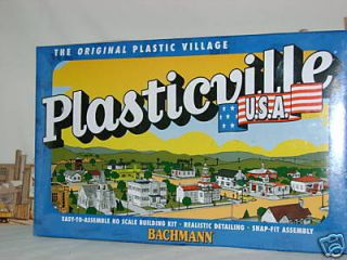 PLASTICVILLE FARM BUILDINGS w Animals HO Scale Train AURORA T Jet SLOT