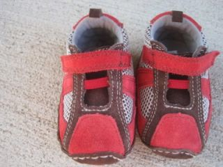 Baby Deer adorable shoes sneakers sz 3 boys red brown gray infant
