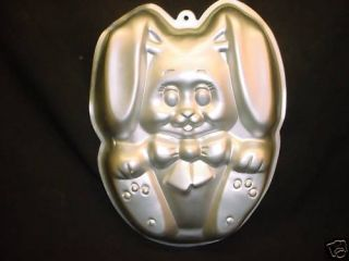 Wilton Big Foot Bunny Cake Pan Pet Rabbit Mold Animal