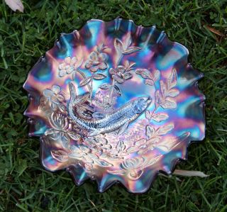MILLERSBURG BIG FISH AMETHYST CARNIVAL GLASS BOWL