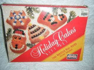 Mini Single Cake Pan Set 4 Nonstick Tree Snowman Snowflake Stocking