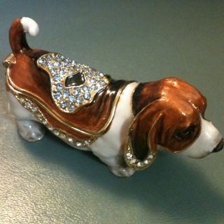 Hound Dog Swarovski Crystal Bejeweled Trinket Box Figurine