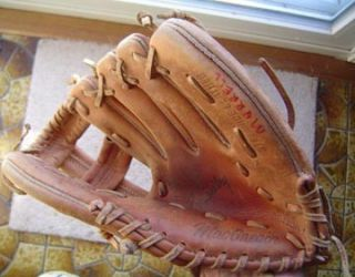 ITEM Roy Smalley Jr Baseball Glove MacGregor KB15 . Smalley was