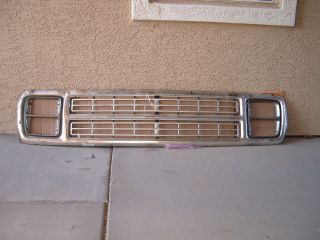 1979 1980 Dodge Power Wagon Ramcharger Grille