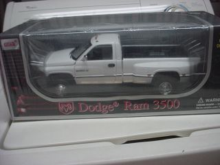 Anson Dodge RAM 3500 Dually Pickup Truck 1 18 Scale White