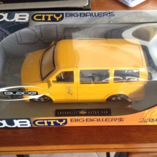 18 DUB City Big Ballers Chevrolet Astro Van Yellow by Jada Toys