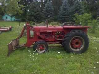 McCormick Deering W4 tractor International Farmall farm tractor