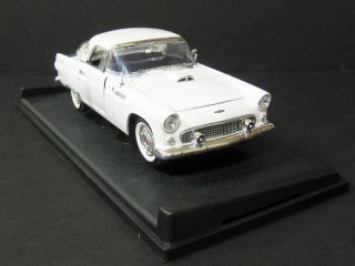 1956 Ford Thunderbird Diecast Model Car White 1 18 Scale Motormax