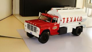 Truck Model Kits 1976 Ford F700 Texaco Oil Truck 1 25 RARE