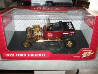 18 JOHNNY LIGHTNING 1923 FORD T BUCKET COCA COLA GOLD CHROME