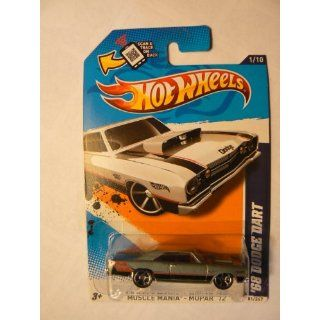 Hot Wheels Muscle Mania Mopar 12 1/10 68 Dodge Dart