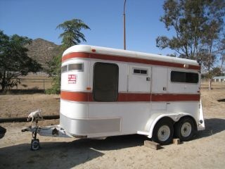 Horse trailer Circle J two horse with Ramp and large tack room bumper