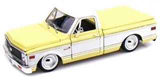 JADA TOYS 1 24 SCALE DIECAST SHOWROOM FLOOR 1972 CHEVY CHEYENNE IN