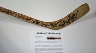 1975 76 Boston Bruins Team 19 Signed Forbes Game Used Stick PSA Bobby