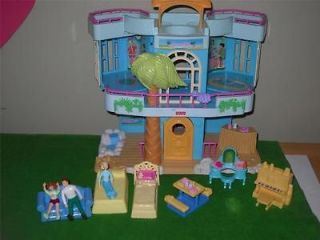 Fisher Price Sweet Streets Beach House Mom Dad Furniture Lot