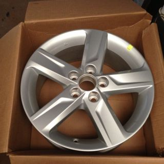 2012 Toyota Camry 17 Alloy Wheel Rims Like New