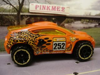 2010 Hot Wheels Jungle Toyota RSC ★orange★tiger