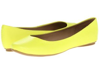 Kenneth Cole Reaction Slip On By Womens Flat Shoes (Yellow)
